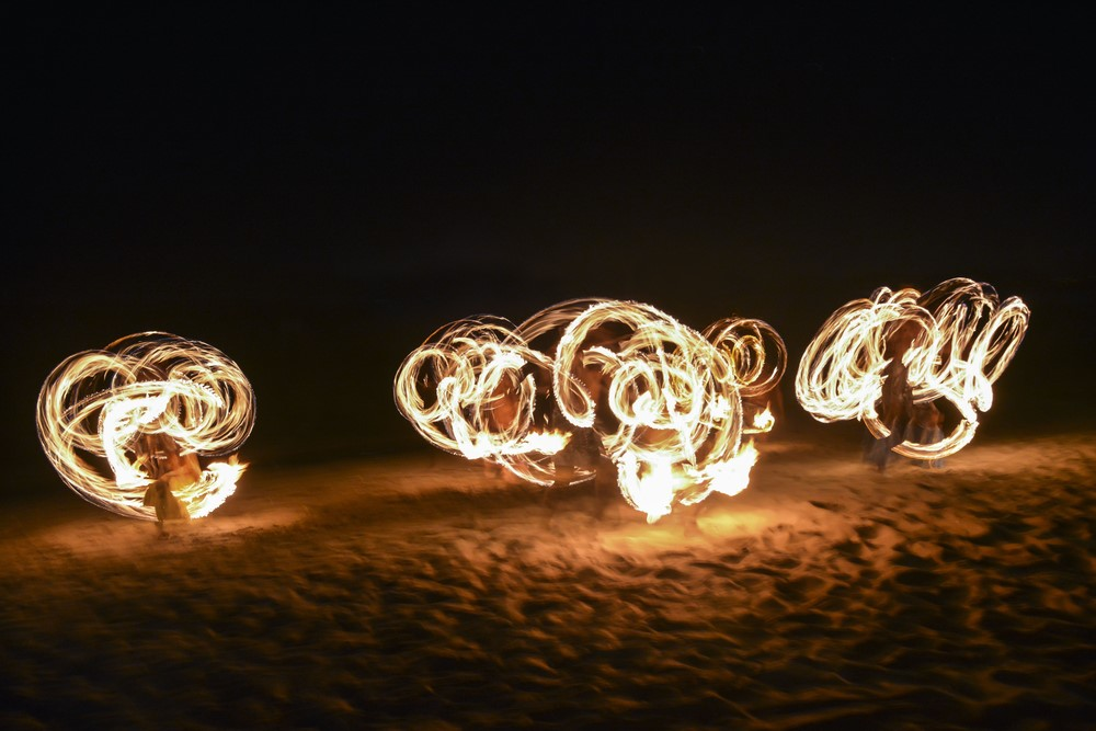 Things to do in Fiji Watch a fire show