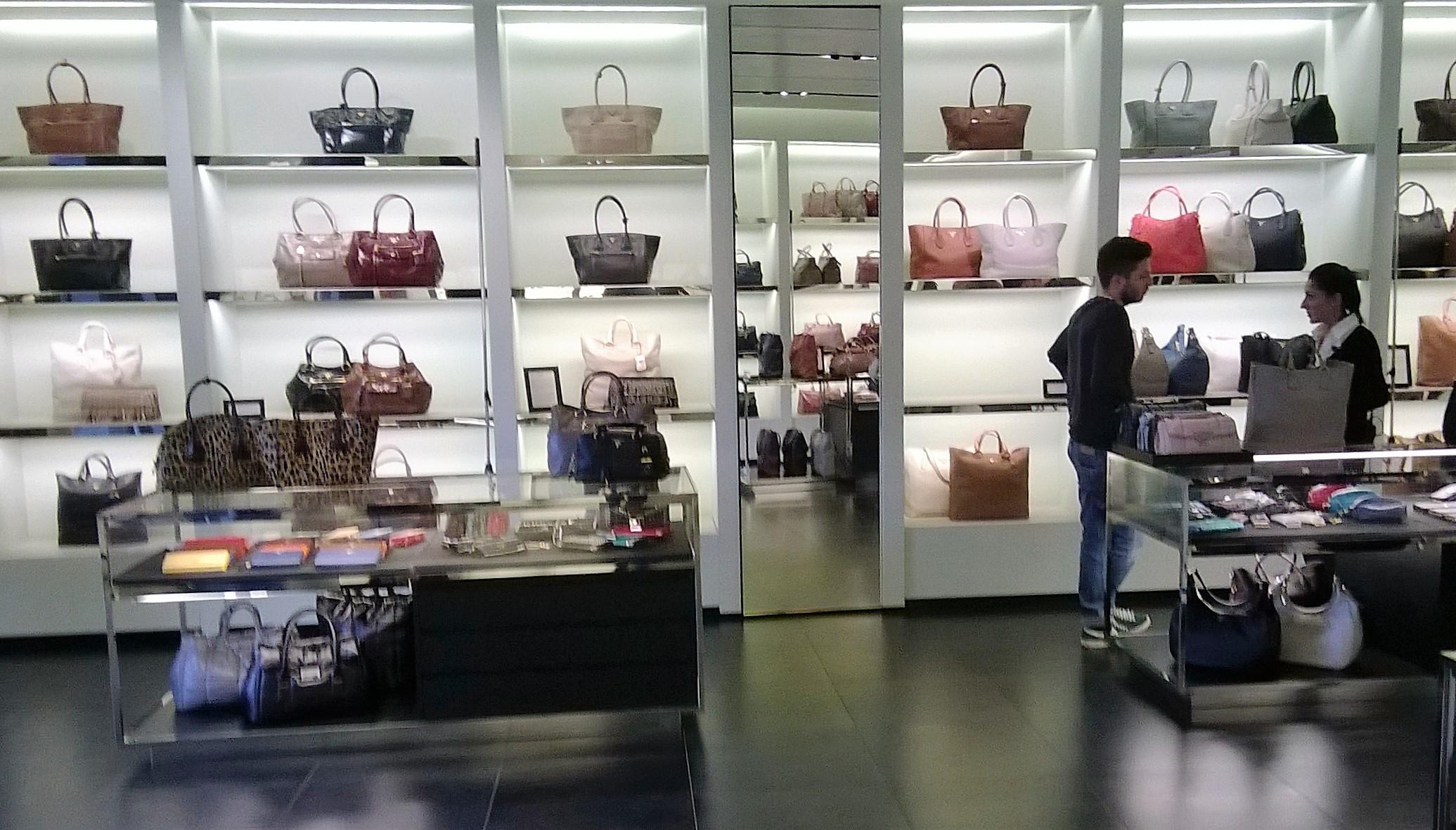McArthur Glen Barberino Designer Outlet Shopping in Florence