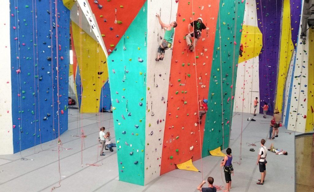climbing wall horizontal cityrock