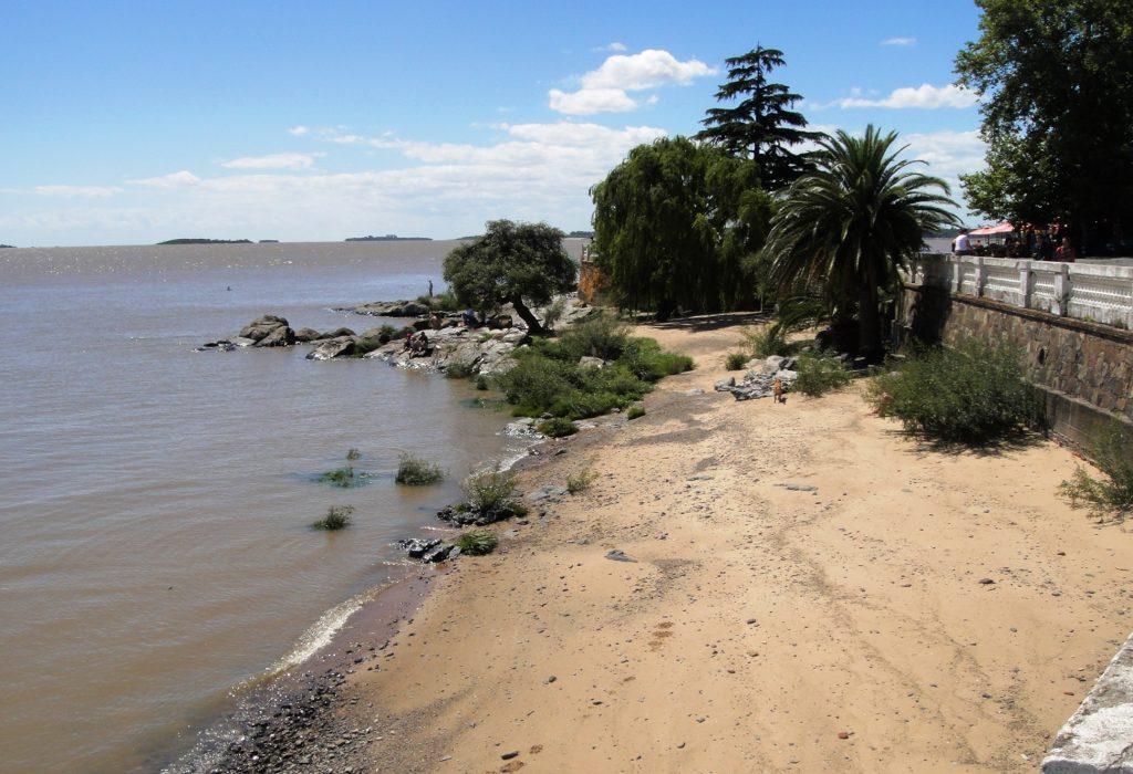 colonia beach Río de la Plata