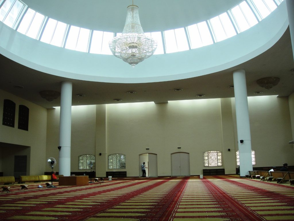 Chandelier mosque Buenos Aires King Fahd