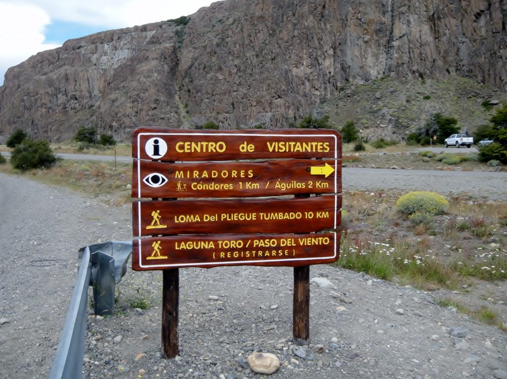Condores and Aquilas trail signpostt