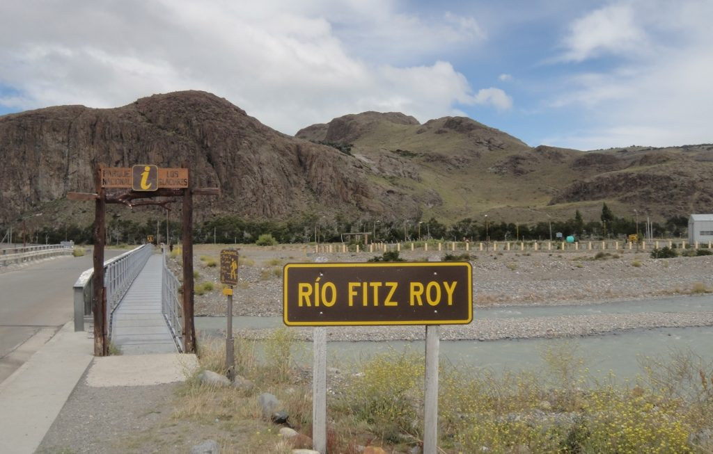 Rio Fitz Roy bridge