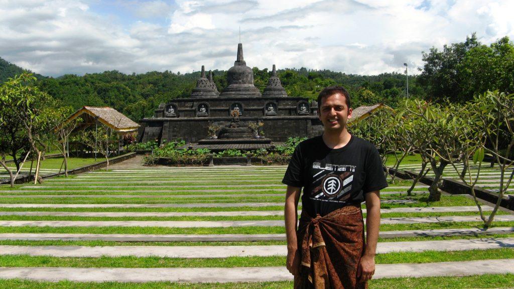 Brahma Arama Vihara Buddhist Monastery  sarong