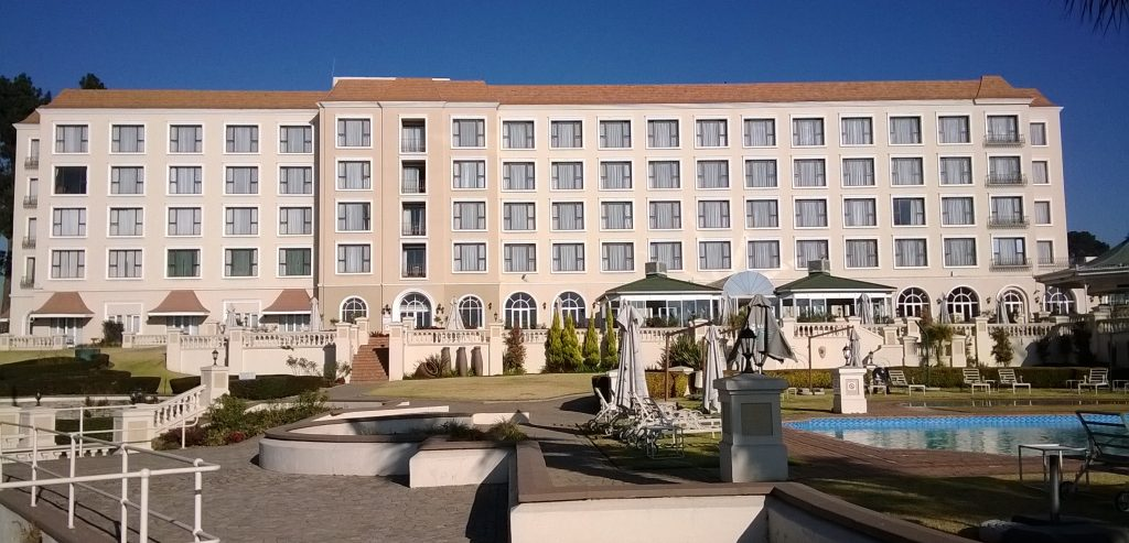 Bon Hotel Riviera on Vaal - full view