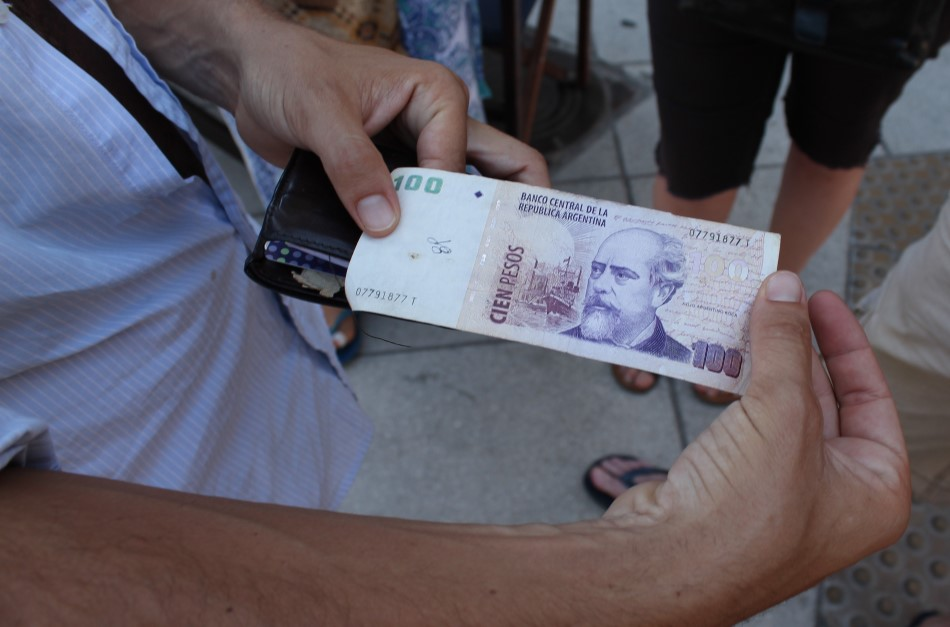 100 peso argentina
