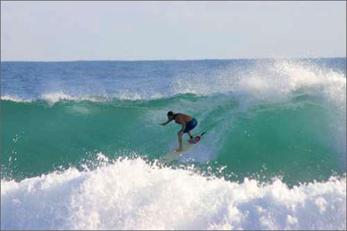 Surfing_rincon