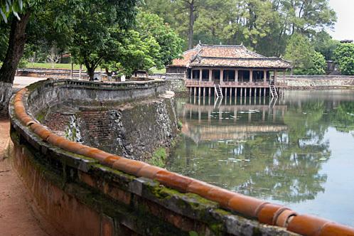 Vietnam_hue_nguyen_dynasty_tomb