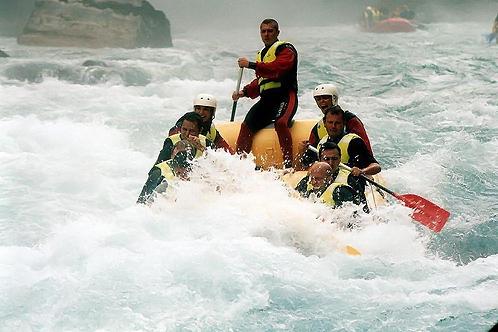 800px-rafting_tara-1