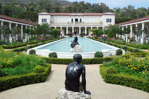 800px-060807-002-gettyvilla001.jpg