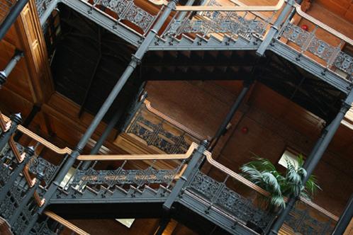 Bradbury_bldg_stairs