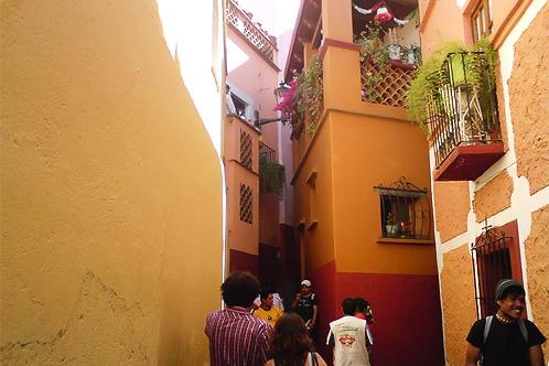 800px-callejon_del_beso.jpg