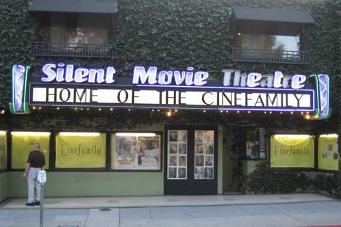 Trzzlr_silent-movie-theatre
