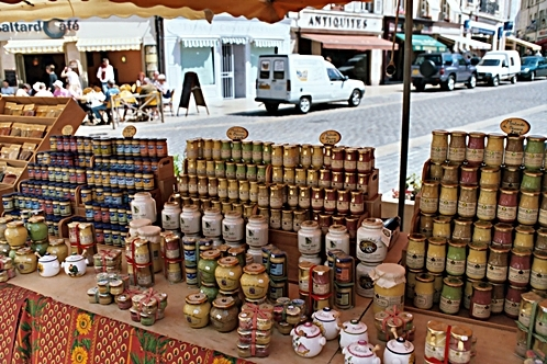 Beaune_market_mustards2