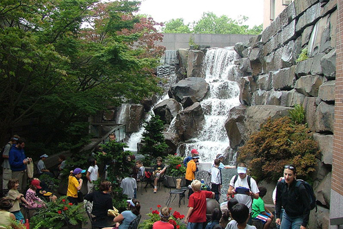 796px-waterfallpark-1