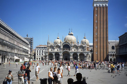 800px-venice_-_piazza_san_marco