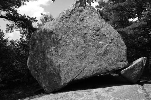 Agassiz_rock