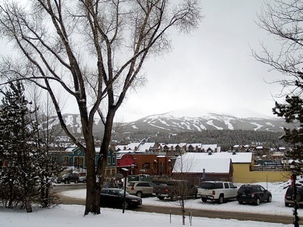 800px-breckenridge_colorado_from_the_summit_county_courthouse