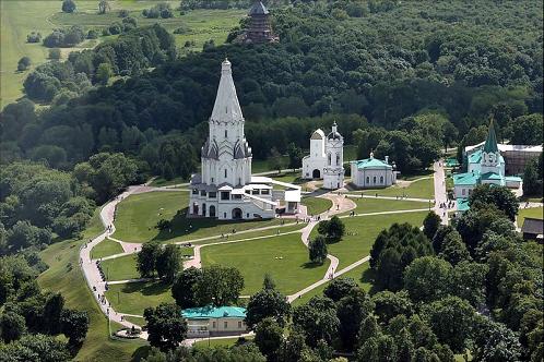 800px-kolomenskoye_aerial_view-2new