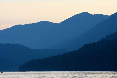 Lake_crescent