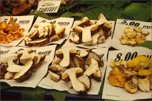 Mushrooms_market
