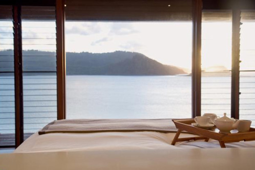Qualia_windward_pavilion_bed