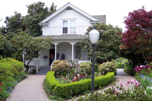 Huldahouse