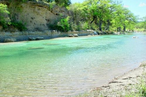 Frio-river-in-front-of
