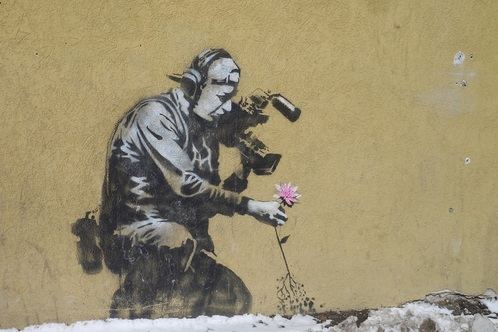 Banksy_cameraman