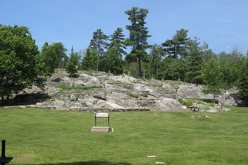 Ellsworth_rock_garden_01