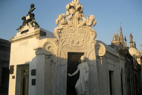 La_recoleta_cemetery_by_mardetanha_1880