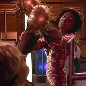 Trek TV Episode 94 - Star Trek: The Next Generation - S01E04 - Code of Honor