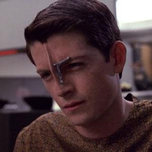 Trek TV Episode 98 - Interview with Manu Intiraymi; Icheb from Voyager