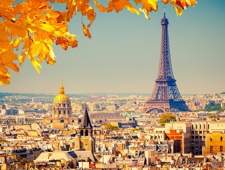 Mandarin_world_travel_paris_eiffel_tower_autumn