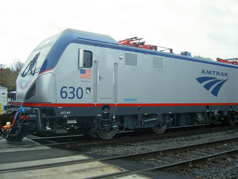 Trip photo #1/30 New electric locomotive - built in Calif., used in the northeast