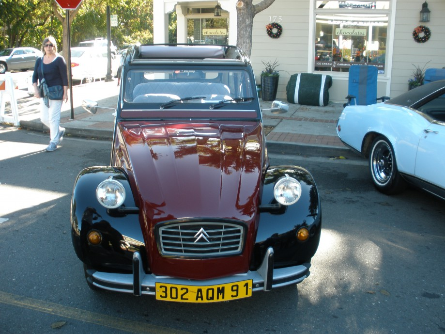Trip photo #5/10 Car show - Citroen 2CV