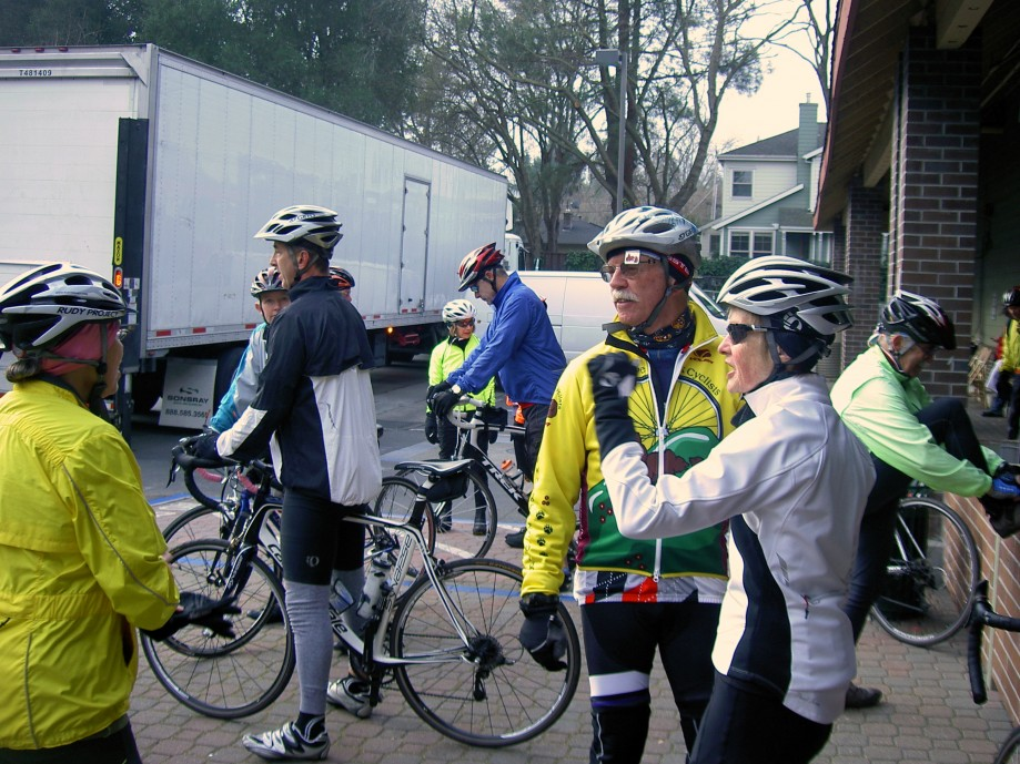 Trip photo #1/19 Regroup stop at Lunardi's in Danville