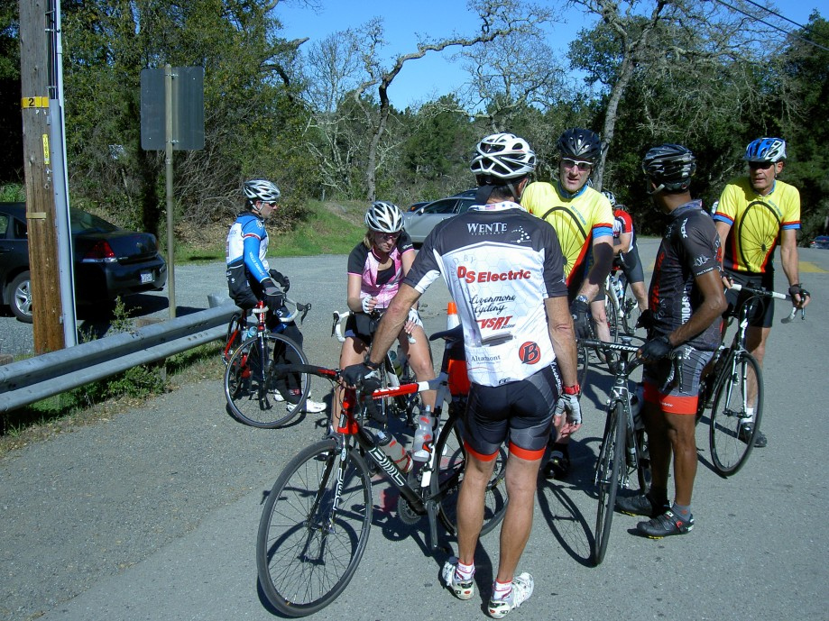 Trip photo #20/31 Regroup at San Pablo Dam rd.