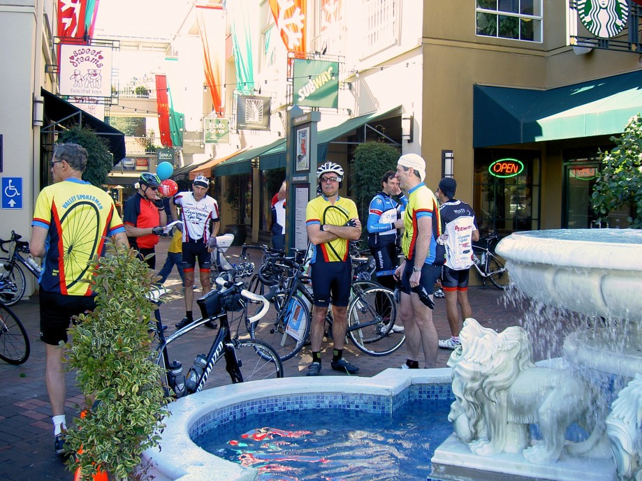Trip photo #22/31 Refreshment stop at Orinda's Theater Square