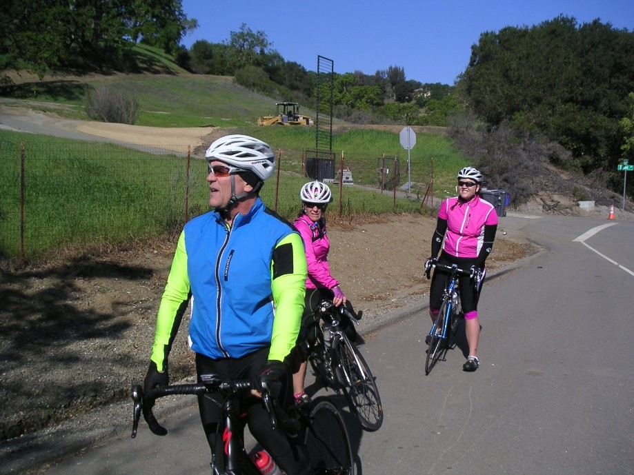 Trip photo #2/8 Regroup along Foothill Blvd.