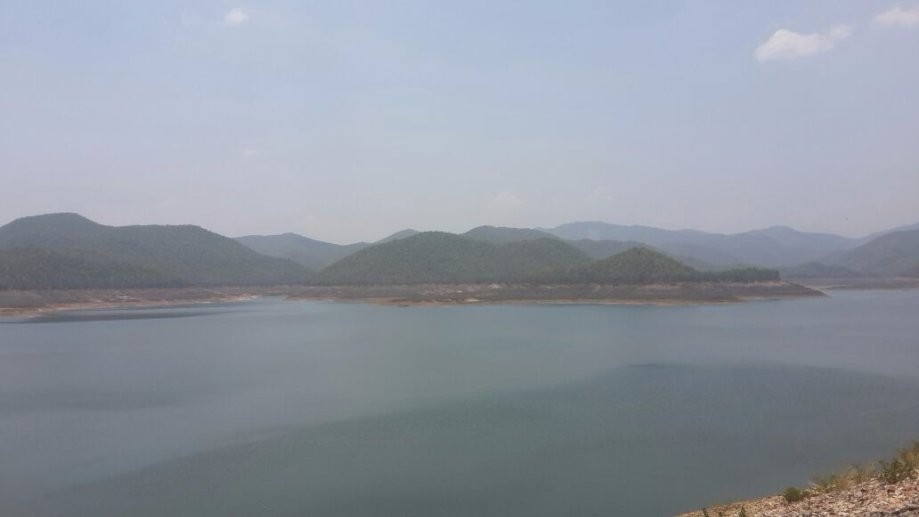 Trip photo #5/7 View of the reservoir from Mae Kuang Dam at around 1-00pm.