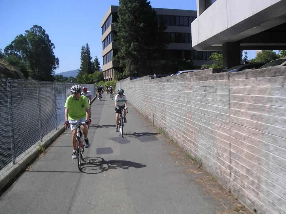 Trip photo #4/16 Heading north through Walnut Creek on the Iron Horse trail