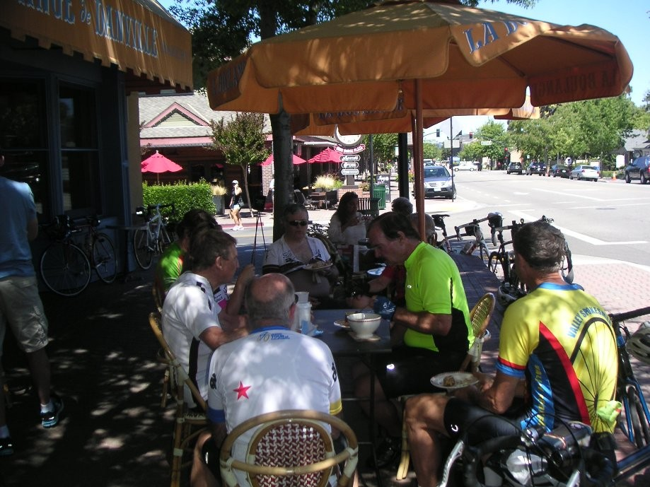 Trip photo #10/11 Refreshment stop at La Boulange (closing 9/25)