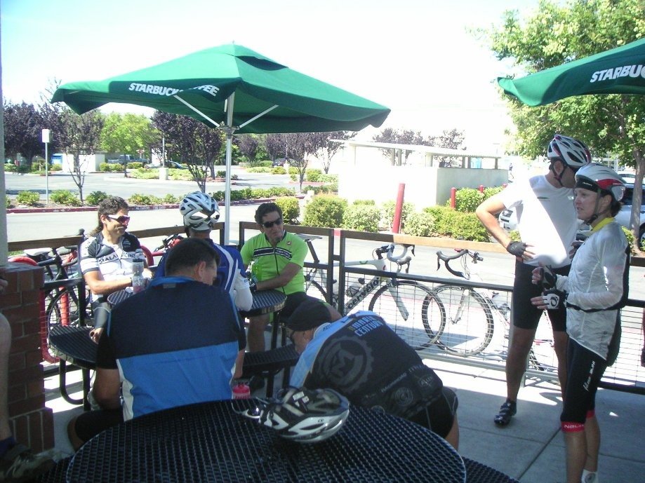 Trip photo #2/9 Starbucks stop on Vasco