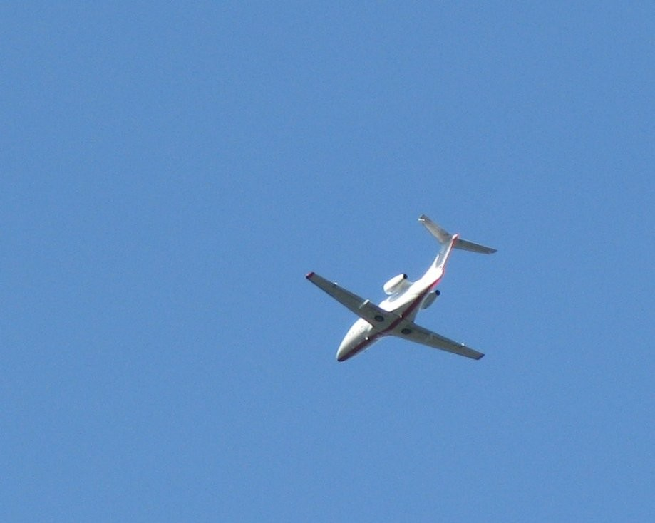 Trip photo #26/41 Summit was on the flight path of a number of planes