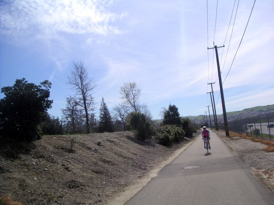 Trip photo #22/26 Bike path along Isabel