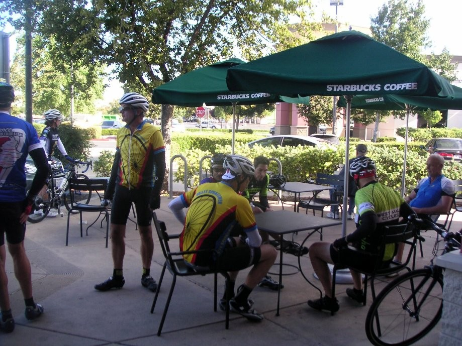 Trip photo #2/7 Stop at Starbucks in Tracy
