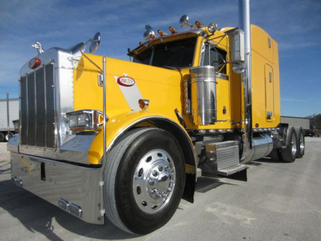 2000 PETERBILT 379 Call for Price!