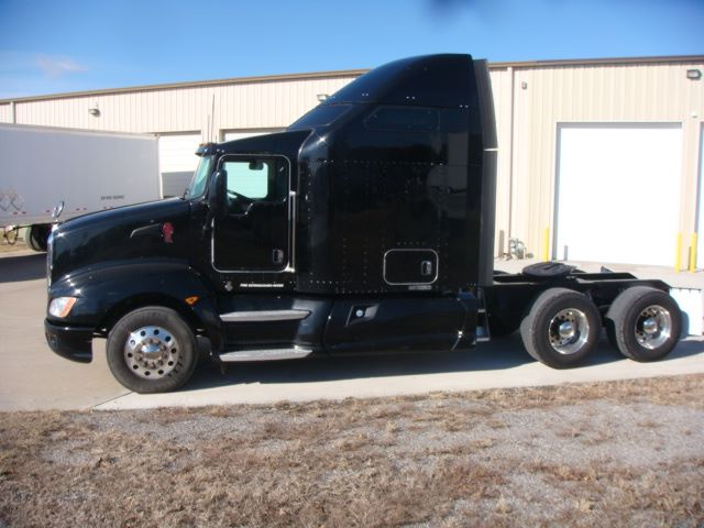 2013 KENWORTH T660$59,900