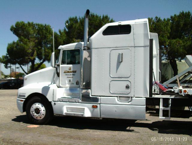 1992 Kenworth T600 $12,000